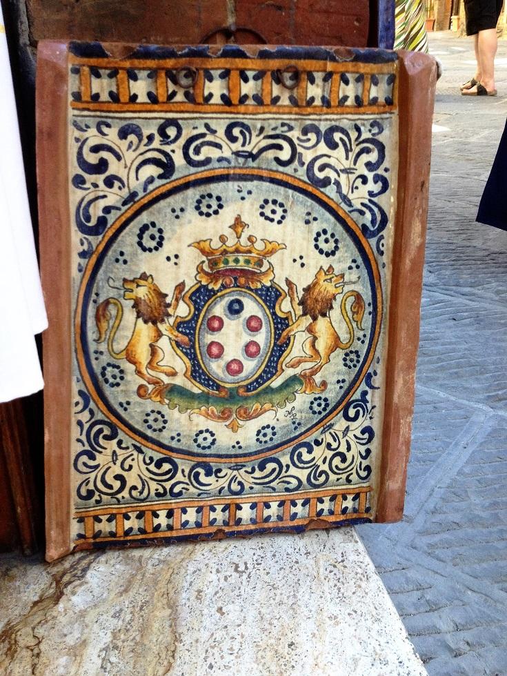 Tegola con stemma Medici